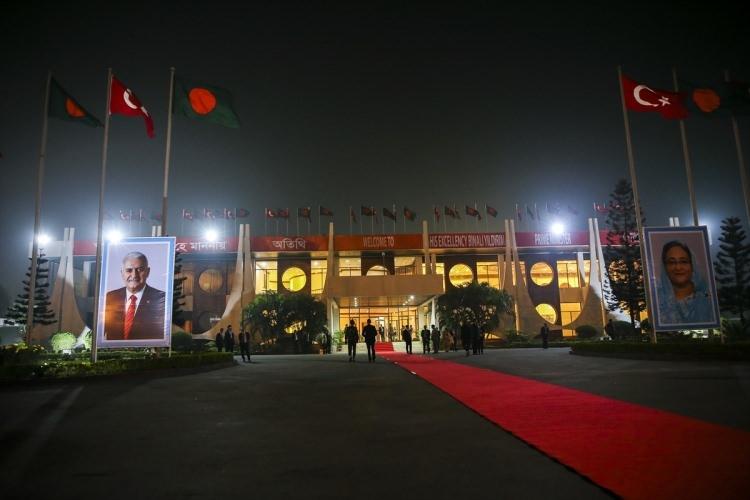 Başbakan Yıldırım'a görkemli karşılama 1