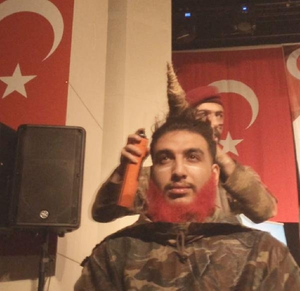 Konyalı berberden Afrin'e destek modeli! 1