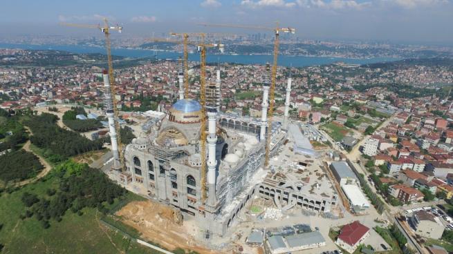 Çamlıca Cami'nde dev kubbenin beton dökme işlemi başladı 2