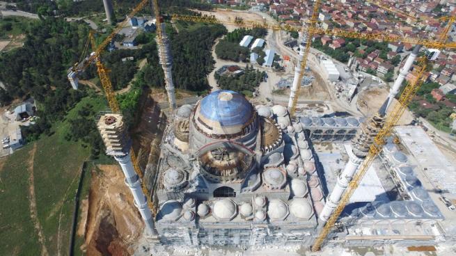 Çamlıca Cami'nde dev kubbenin beton dökme işlemi başladı 3
