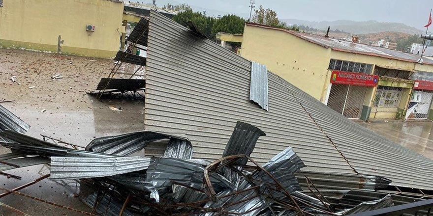 Antalya Kumluca'da kuvvetli rüzgar ve dolu can aldı: 1 ölü
