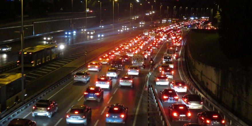 İstanbul'da trafik yoğunluğu yaşandı!