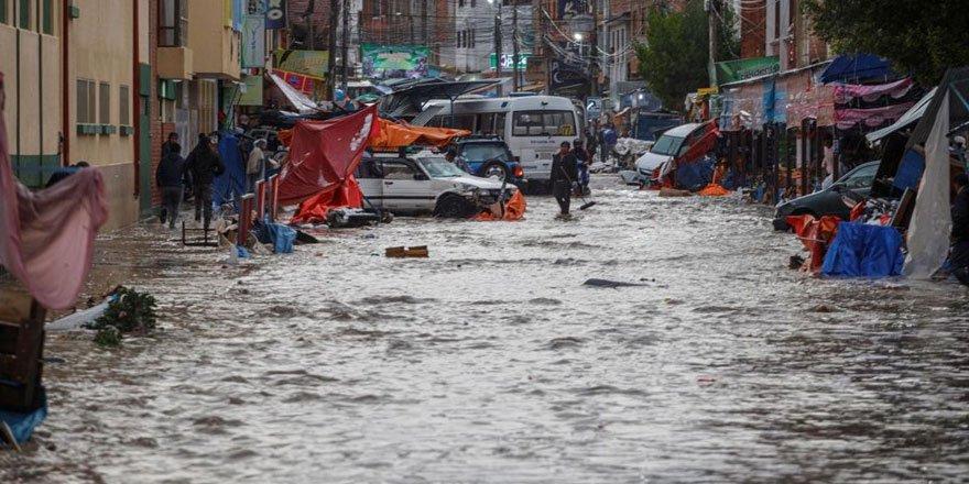 Bolivya yarım saatte sele teslim oldu