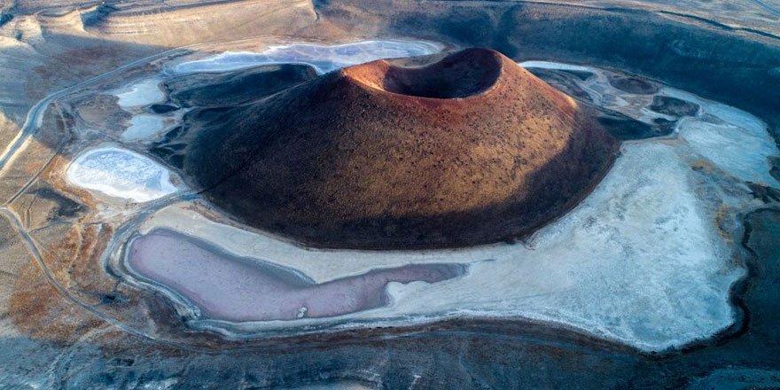 'Nazar boncuğu' Meke Gölü, haritadan silinme noktasında