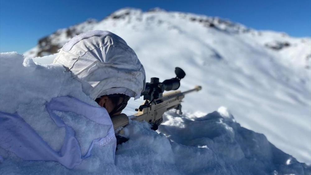 Mehmetçik zorlu hava şartlarına rağmen operasyonlara devam ediyor 1