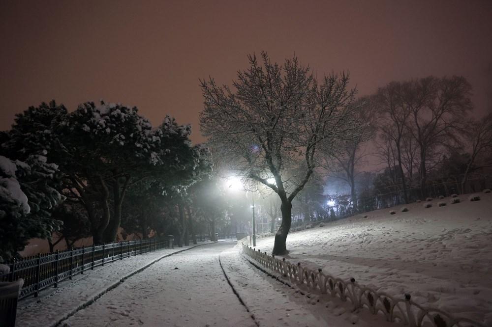 İstanbul'da kar yağışı etkili oldu! 1