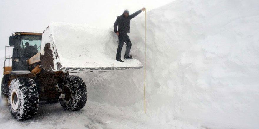 'Kar kaplanları'nın 5 metre karla mücadelesi