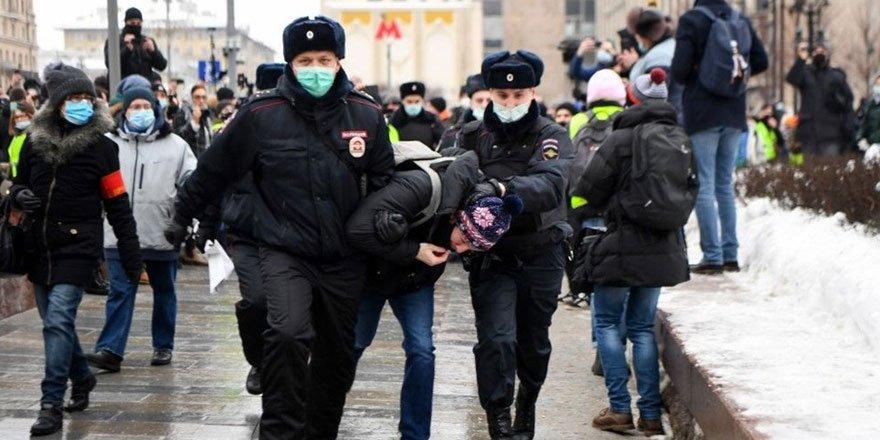 Navalny'nin çağrısının ardından Rusya'da sokaklar karıştı!