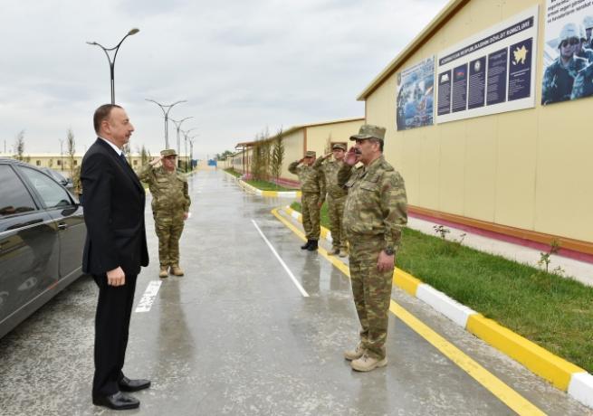 Aliyev, cephe hattında incelemelerde bulundu 7