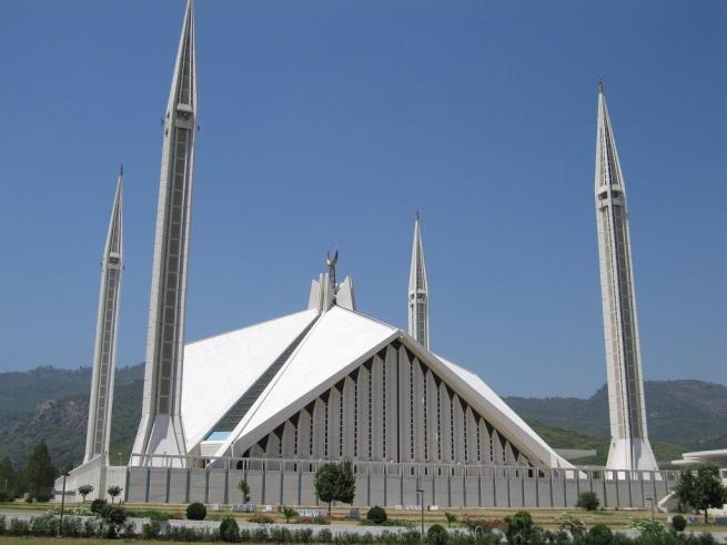 Dünyanın en büyük 10 camii 6