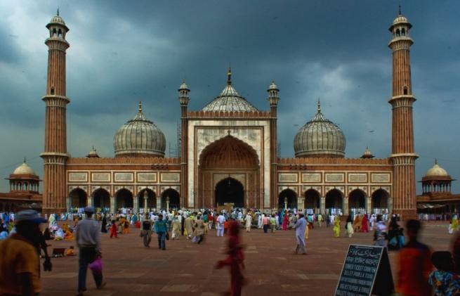 Dünyanın en büyük 10 camii 8