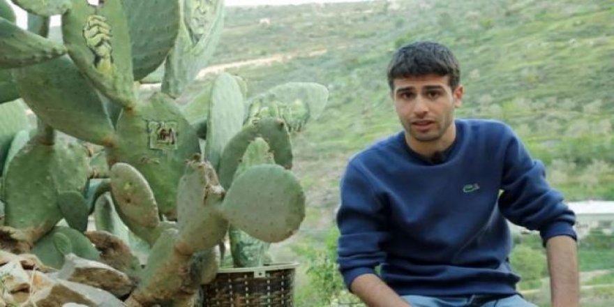 Filistin halkının sabrını kaktüslere çizdi