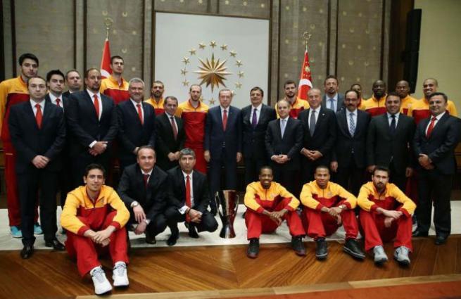 Eurocup Şampiyonu Galatasaray Erkek Basketbol Takımı Külliye'de 3
