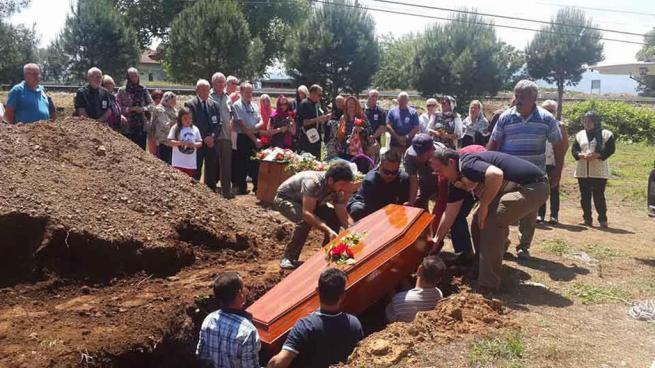 Hıristiyan olarak yaşadı, Müslüman gibi gömüldü 7