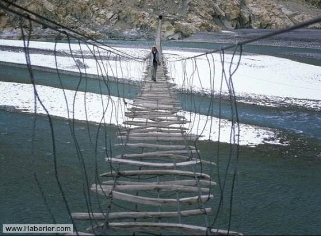 Dünyanın en korkunç 10 köprüsü 6