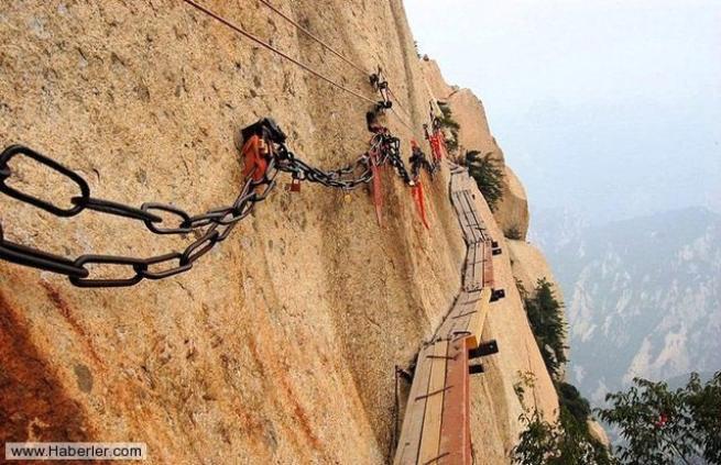 Dünyanın en korkunç 10 köprüsü 9