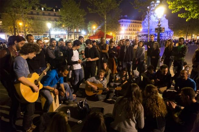 Fransa'da 'gece ayakta' eylemi 13