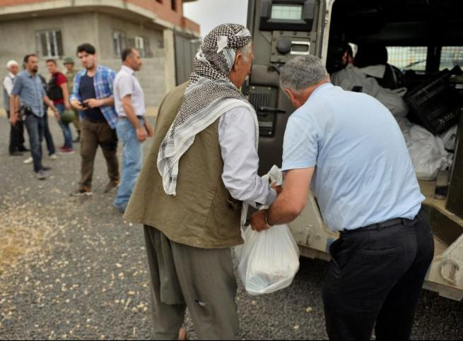 Teröristler susuz bıraktı, güvenlik güçleri yardıma koştu 12