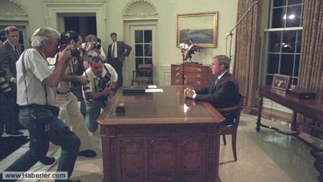 11 Eylül saldırısının hiç yayınlanmamış Bush fotoğrafları 20