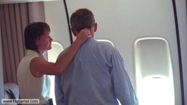 11 Eylül saldırısının hiç yayınlanmamış Bush fotoğrafları 24