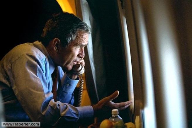 11 Eylül saldırısının hiç yayınlanmamış Bush fotoğrafları 31