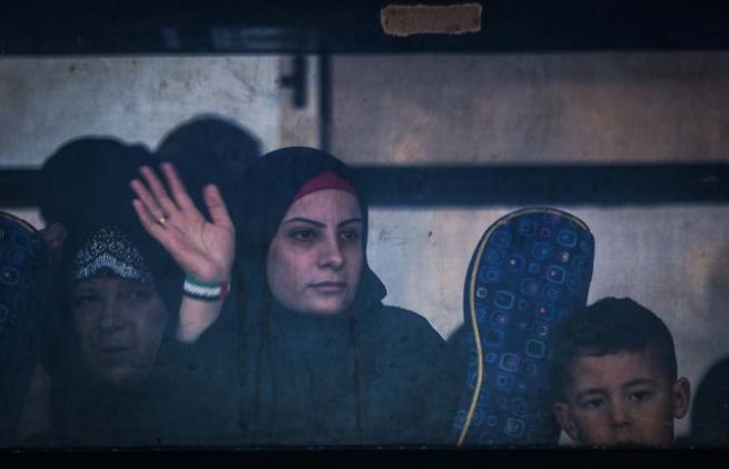 Refah Sınır Kapısı 'geçici' olarak açıldı 14