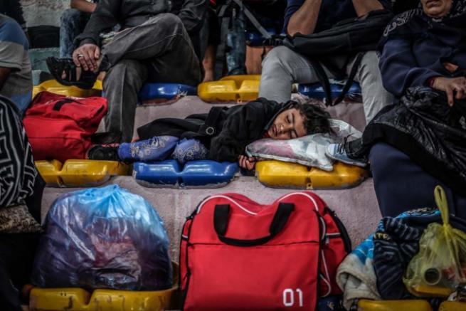 Refah Sınır Kapısı 'geçici' olarak açıldı 15