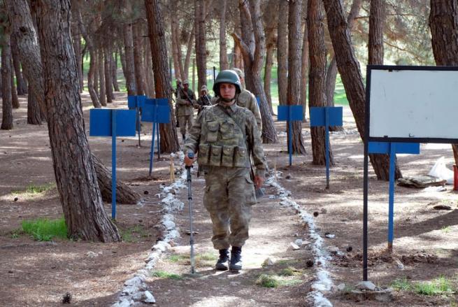 Askere gidecekler için işte ACEMİ BİRLİĞİ 25