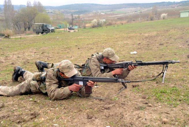 Askere gidecekler için işte ACEMİ BİRLİĞİ 28