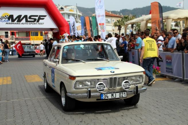 Marmaris'te klasik otomobil yarışı 1