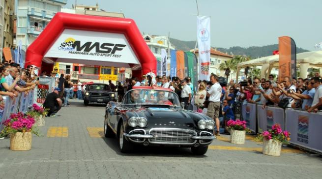 Marmaris'te klasik otomobil yarışı 3