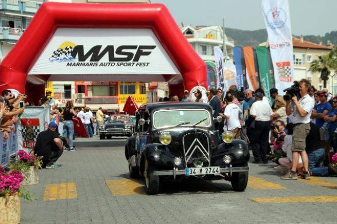 Marmaris'te klasik otomobil yarışı 5