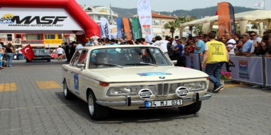 Marmaris'te klasik otomobil yarışı