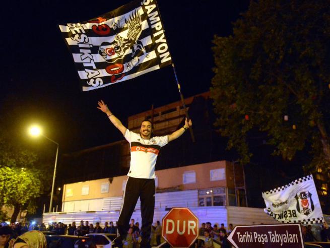 Beşiktaş şampiyonluğu böyle kutladı 1
