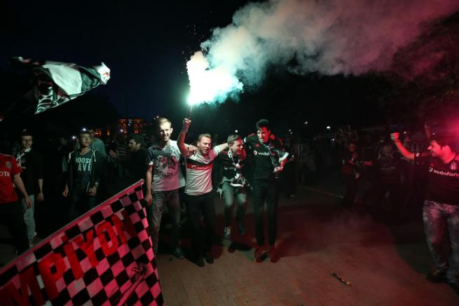 Beşiktaş şampiyonluğu böyle kutladı 15
