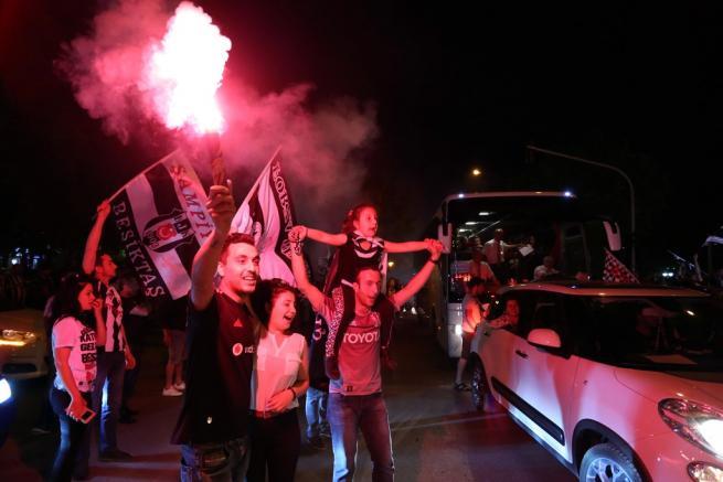 Beşiktaş şampiyonluğu böyle kutladı 16
