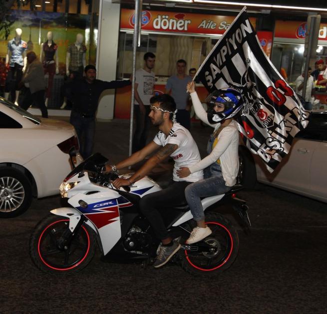 Beşiktaş şampiyonluğu böyle kutladı 3