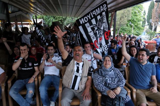 Beşiktaş şampiyonluğu böyle kutladı 7