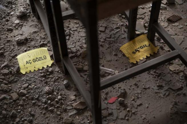 Teröristlerin harabeye çevirdiği okullar için yıkım kararı 5