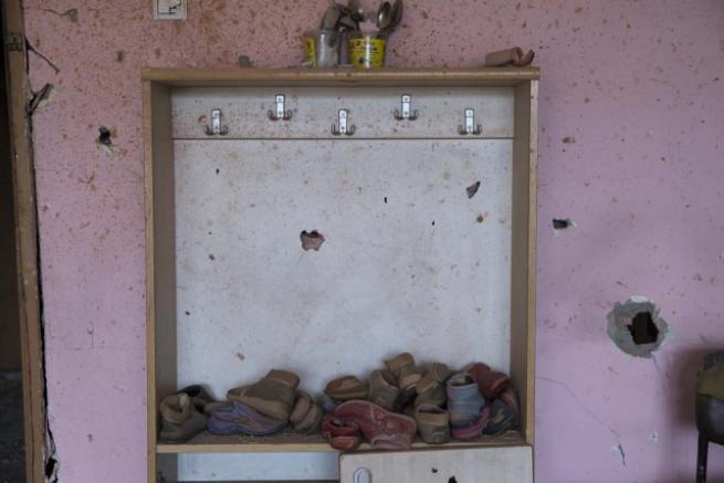Teröristlerin harabeye çevirdiği okullar için yıkım kararı 9