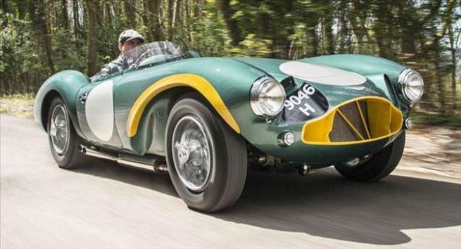 Efsane Aston Martin açık artırmada 9