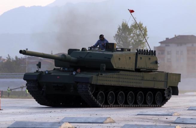 """Türkiye'nin yerli üretim tankı """"Altay"""" 1"""