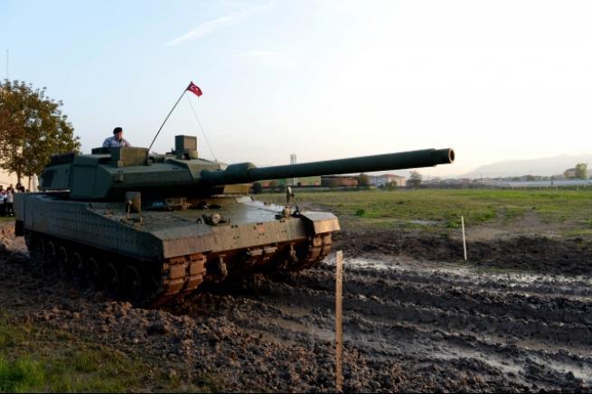 """Türkiye'nin yerli üretim tankı """"Altay"""" 9"""