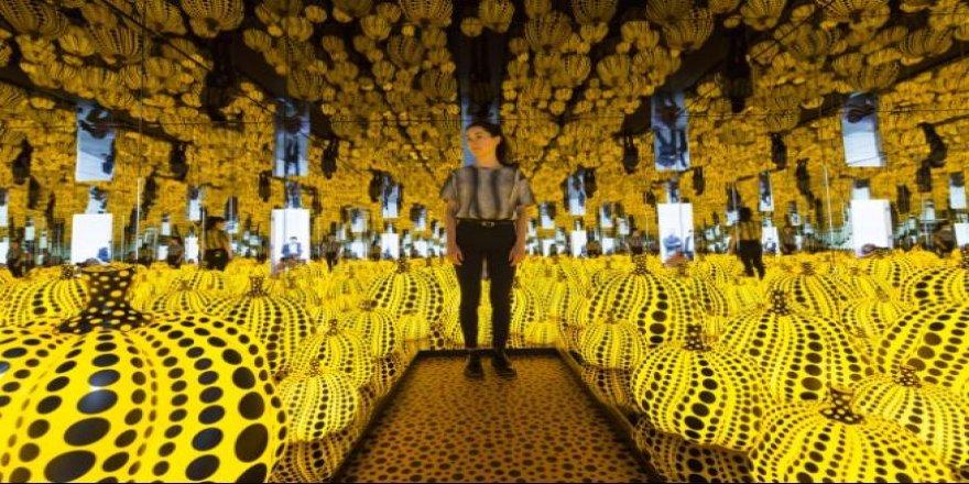 Japon sanatçı Yayoi Kusama'nın sergisi