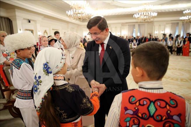 Başbakan Davutoğlu, 23 Nisan Çocuk Şenliği'ne katılacak çocukları k 10
