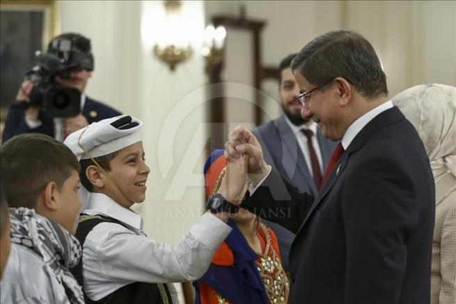 Başbakan Davutoğlu, 23 Nisan Çocuk Şenliği'ne katılacak çocukları k 11