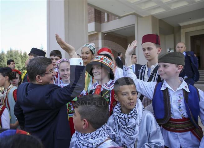 Başbakan Davutoğlu, 23 Nisan Çocuk Şenliği'ne katılacak çocukları k 14
