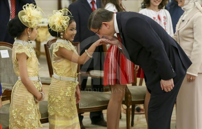 Başbakan Davutoğlu, 23 Nisan Çocuk Şenliği'ne katılacak çocukları k 6