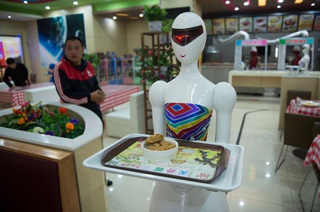 Çin'de Robot Restoran 1
