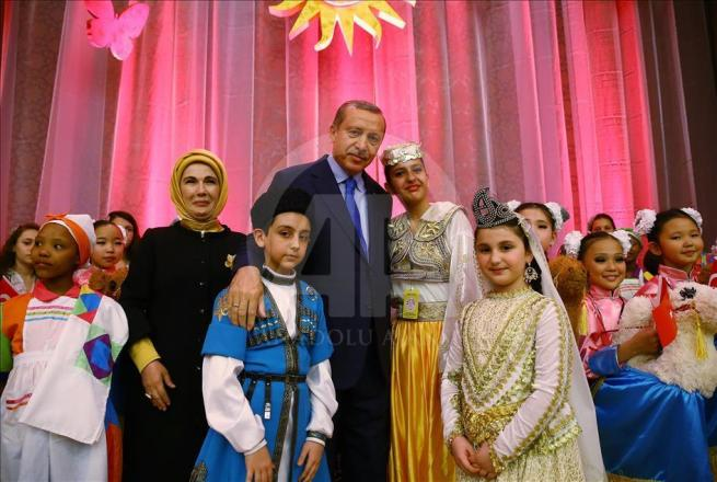 Cumhurbaşkanı Erdoğan dünya çocuklarıyla buluştu 1